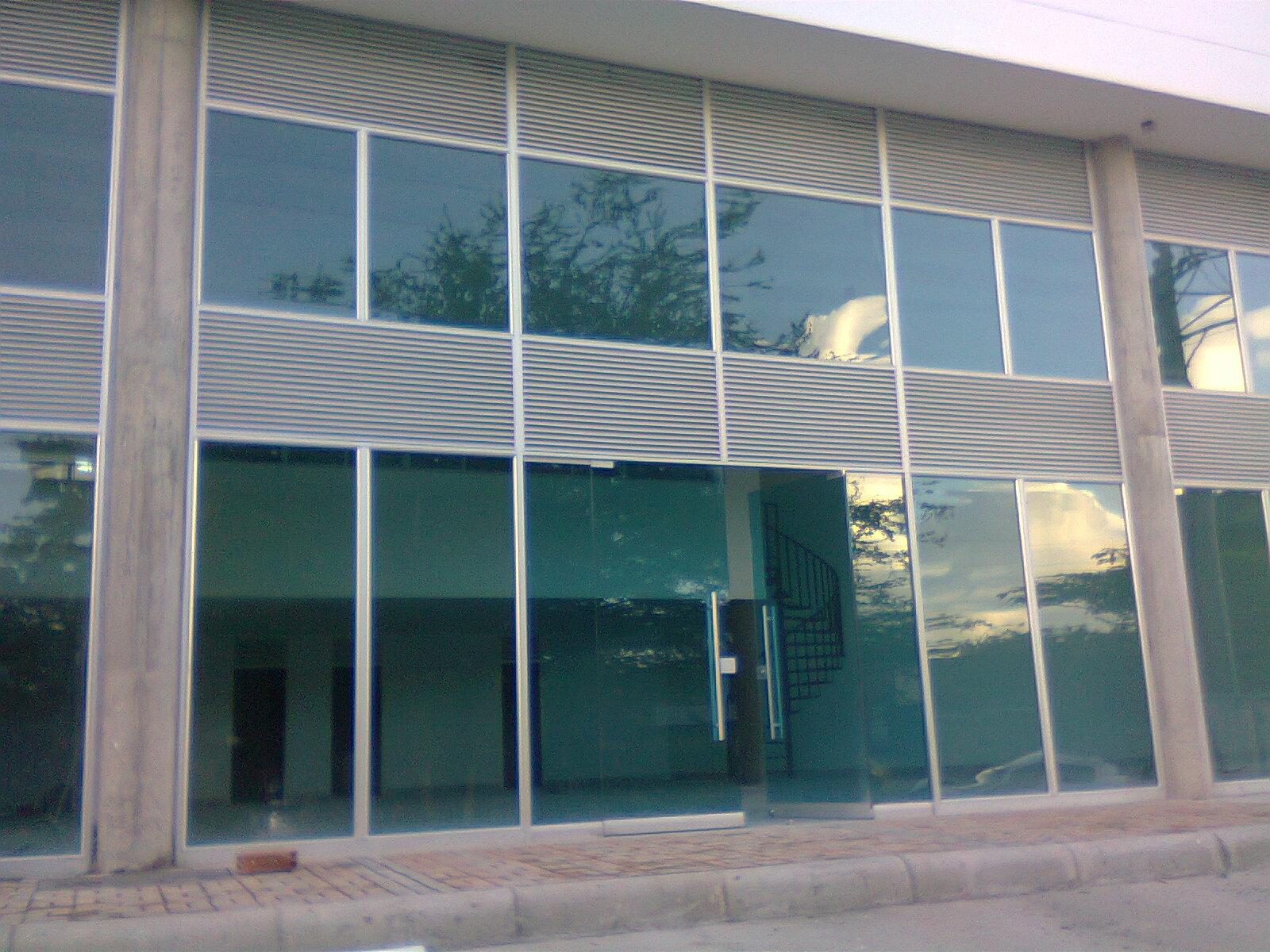 Productos vidrio huila for Fachada aluminio